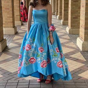 Sherri Hill Prom Dress - Style 51139. size 2